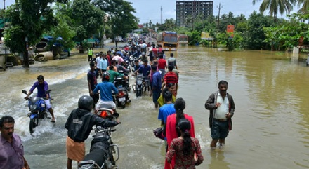 800,000 Evacuated, 350 Died in India Flooding