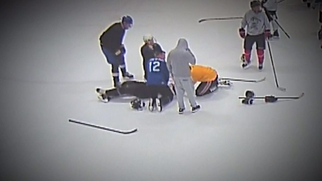 Doctor saves the life of Ice Hockey Player on the field of action