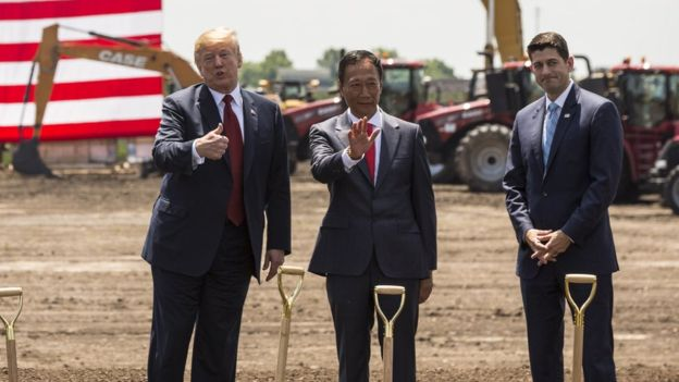 President Trump Forces Foxconn to clarify their position on the U.S. plans