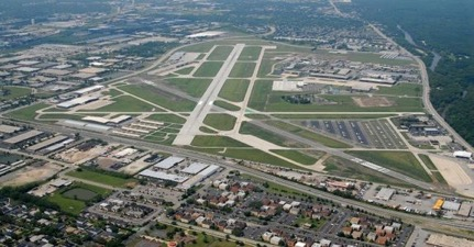 Lawmaker of State opposes longer runway at Chicago Executive Airport