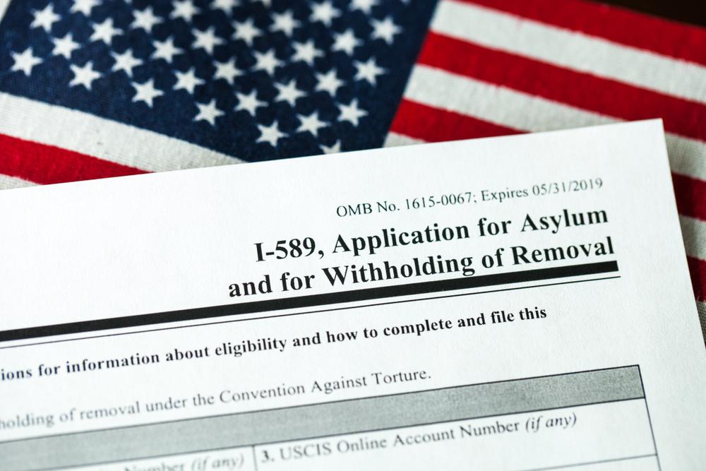 A federal judge blocks Trump's asylum policy