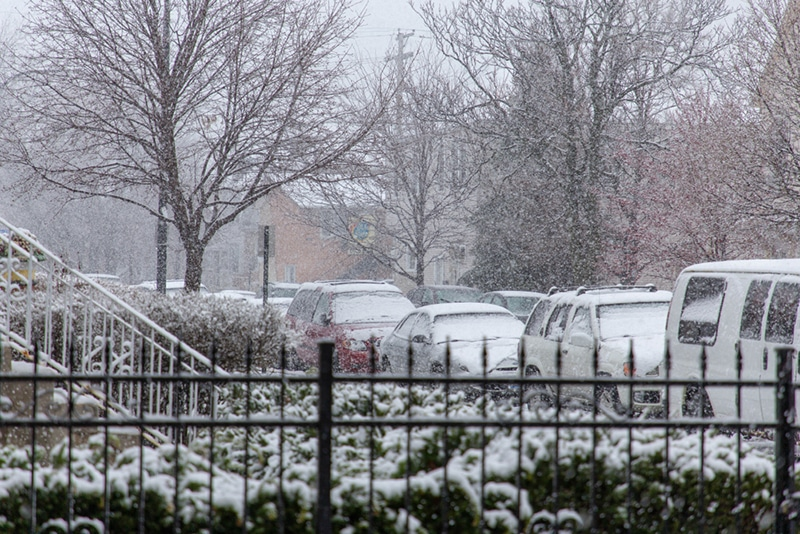 Late spring snowfall recorded in Chicago