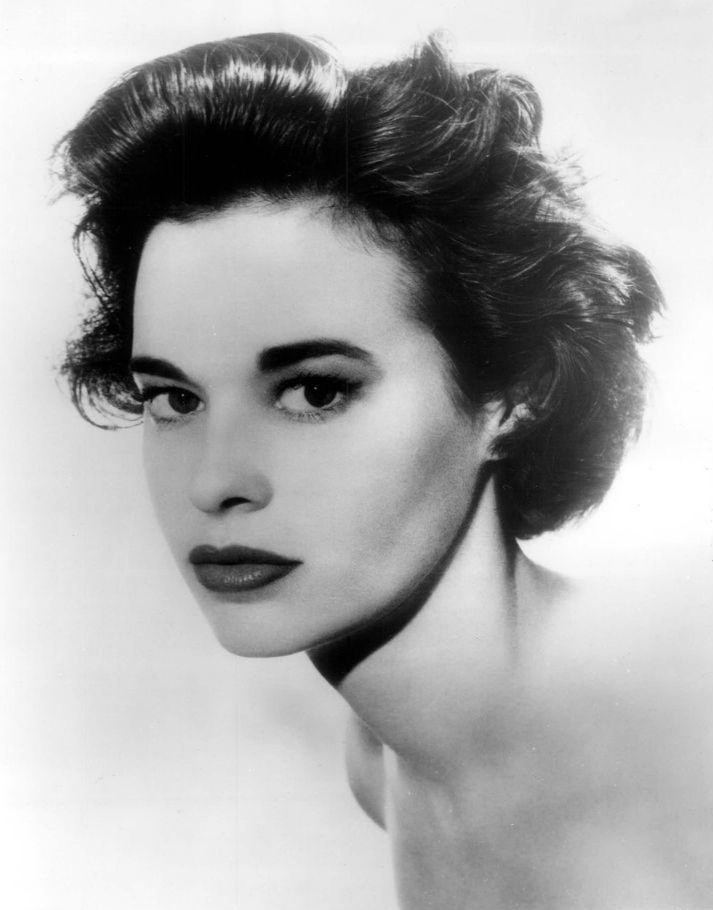 Gloria Vanderbilt, US fashion icon, died of cancer at the age of 95