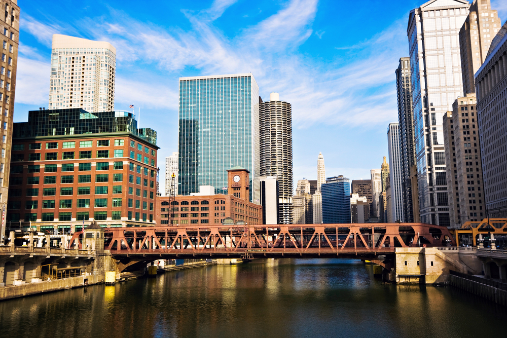 Raising and lowering of Lake Shore Drive Bridge will cause extended delays this month