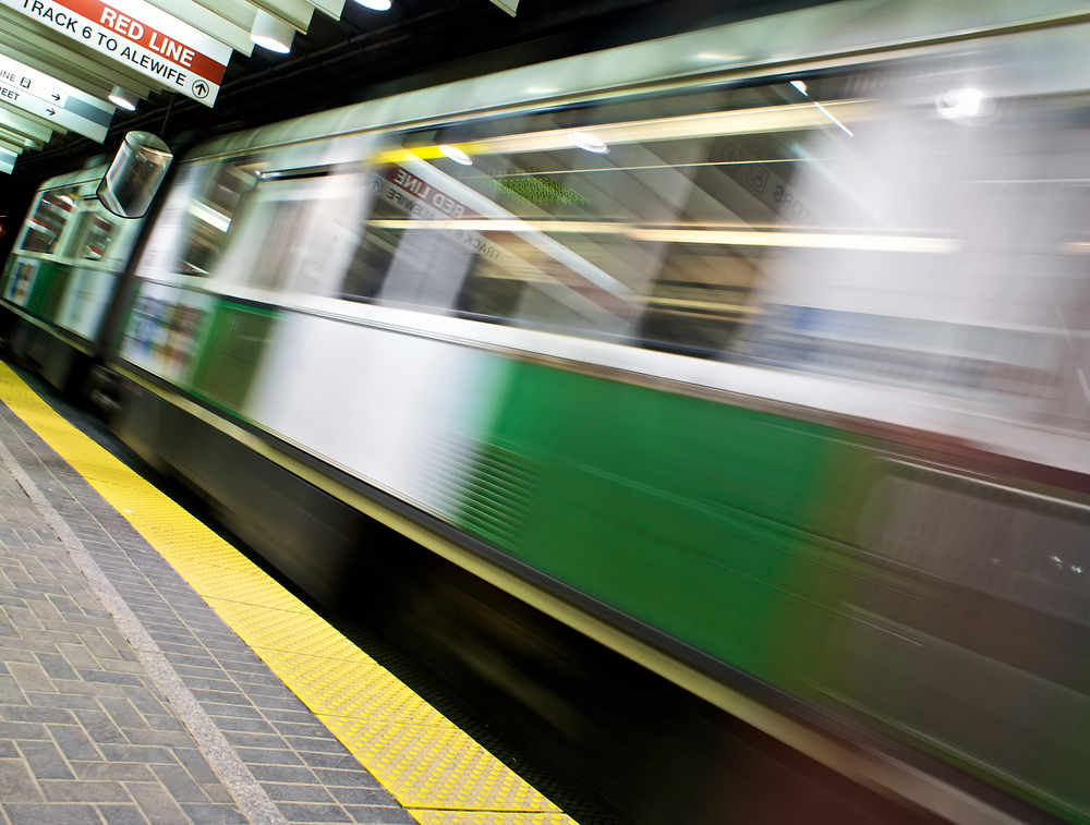 Green Line Train Disrupts at 'L' Station of 47th Street