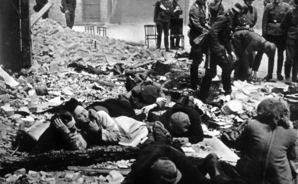 Illinois Holocaust Museum will exhibit Jewish photographer's photos taken in ghetto