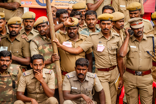 India tightens security due to threat of Hindu-Muslim riots