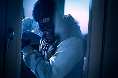 Burglars enter Schaumburg Best Buy on Saturday