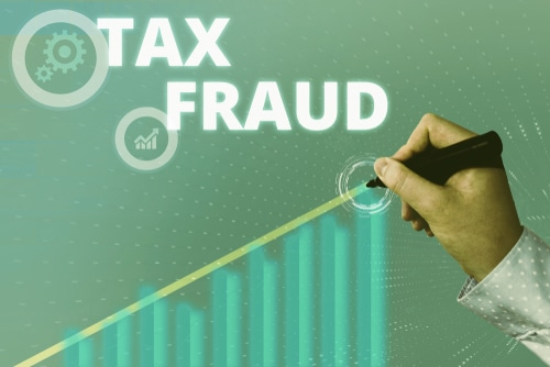 False tax return charges filed against Riverton man