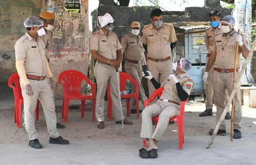 India: Hundreds of policemen become victim of coronavirus