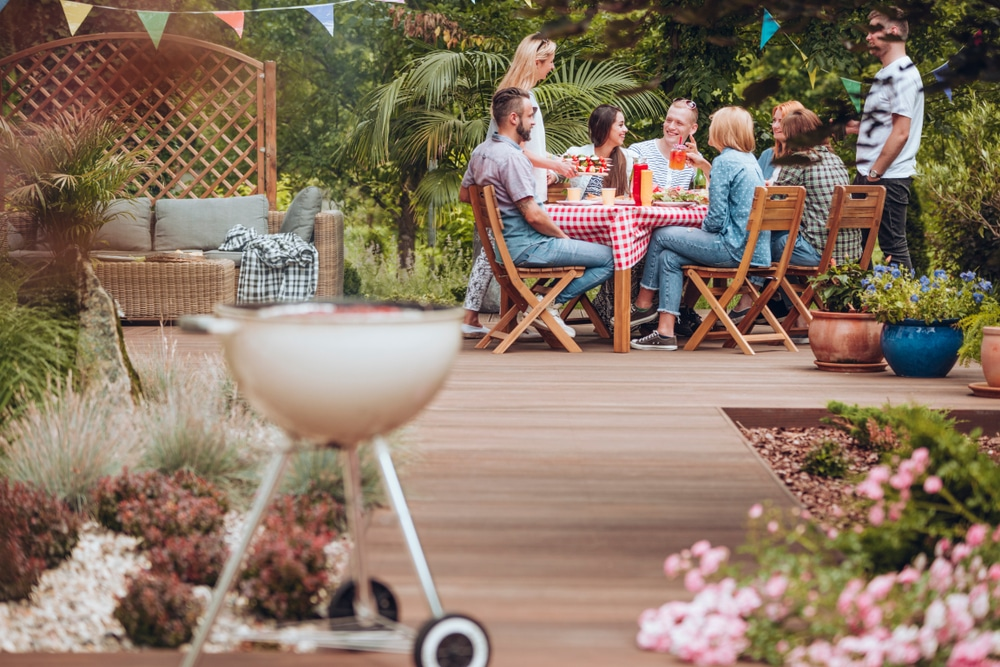 5 ways to create a cozy backyard getaway