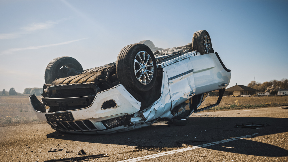 4 Hurt in Rollover Crash at Hawthorne Rd and Old Dundee Rd, Barrington Hills
